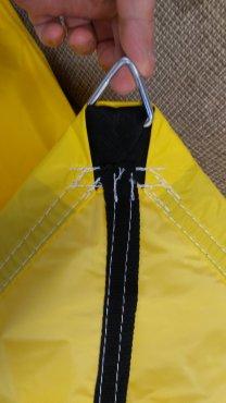 Posuvné zastínění pískoviště s nylonovou plachtou barva žlutá nebo červená, zastínění 100%